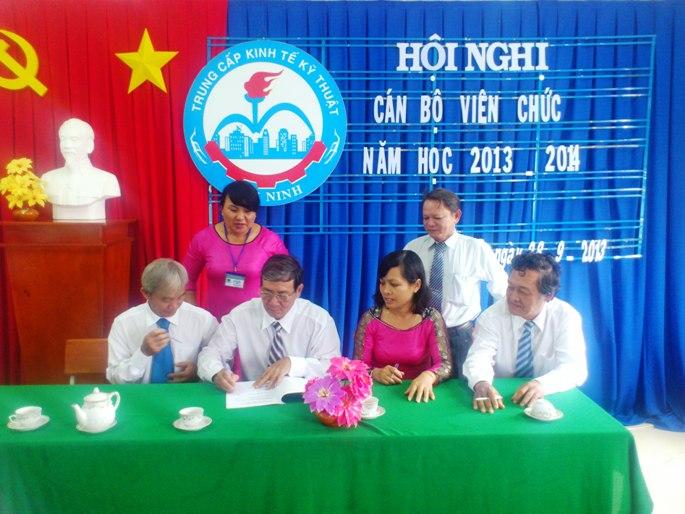 Hội nghị Cán bộ viên chức năm học 2013-2014